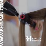 Lee más sobre el artículo Consejos sobre cuidados básicos para tu cabello en verano
